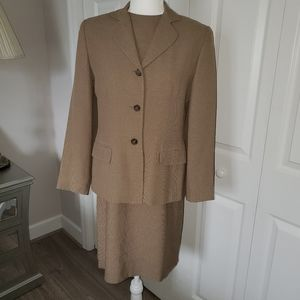 Sheath suit